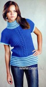 Васильковый пуловер с косами